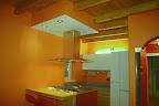 Vista cucina e zona giorno ristrutturata