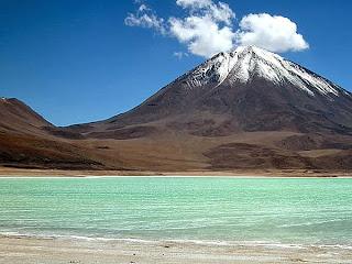 laguna Verde in vulkan Licancabur