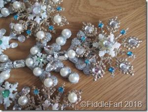 jewelled snowflake wreath 1
