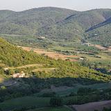 Le vallon des Fouix et le Lubéron depuis les Hautes-Courennes. Saint-Martin-de-Castillon (Vaucluse), 7 mai 2014. Photo : J.-M. Gayman