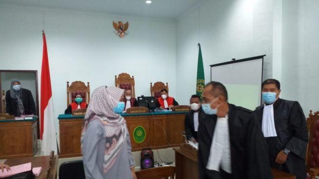Rini Pratiwi, Anggota DPRD Tanjungpinang Dituntut 1 Tahun Penjara Gegara Ijazah Palsu