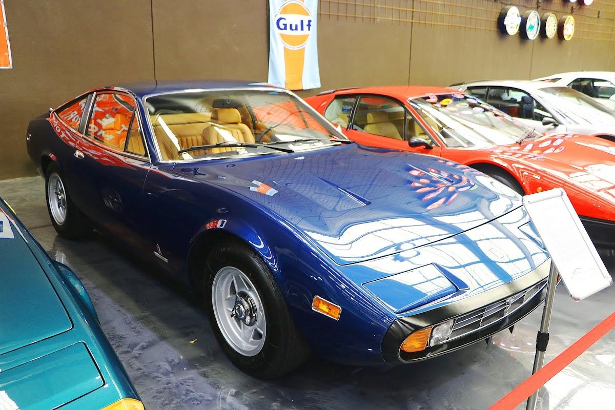 1972 Ferrari 365 GTC 4 Coupe (02).jpg