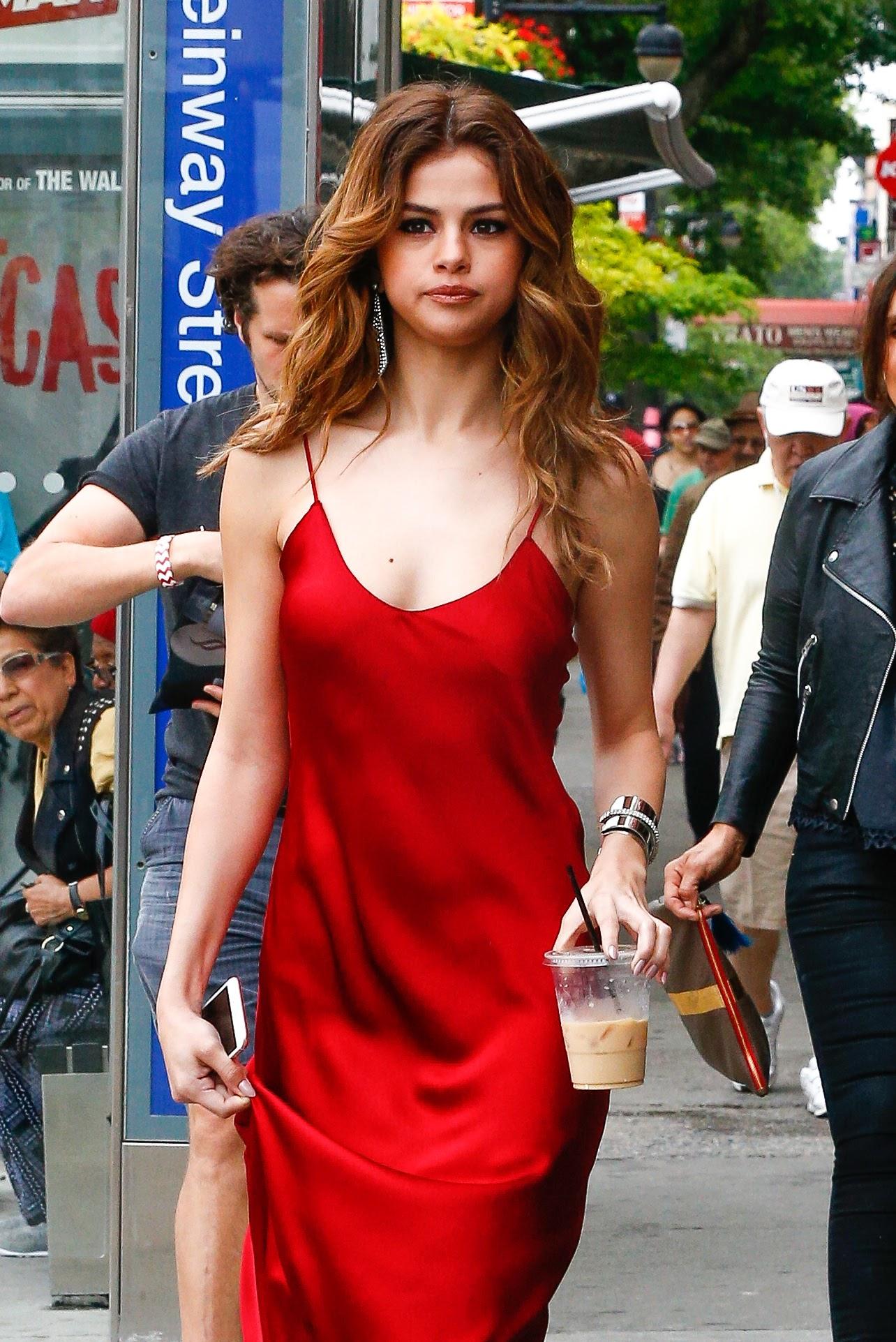 Endigitize Com Selena Gomez Out In New York City