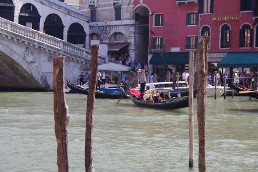 Grand Canal, vers le pont de Rialto.