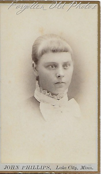 Unknown girl CDV Dorset 3rd shop