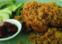 Ayam goreng dengan teburan kremesan telah banyak diminati oleh semua kalangan karena cita RESEP AYAM GORENG KREMES