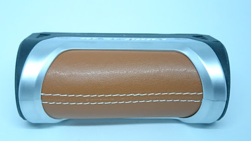 DSC 5747 thumb%255B2%255D - 【MOD】「GEEKVAPE AEGIS 100W 18650/26650 BOX MOD」(ギークベイプ・イージス100W)レビュー!水につけても平気、落としても100人乗っても…頑丈MOD!!【VAPE/電子タバコ/防水/防塵/耐衝撃】