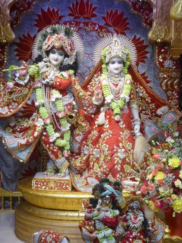 ISKCON Bhaktivedanta Manor Deity Darshan 18 Dec 2015 (20)