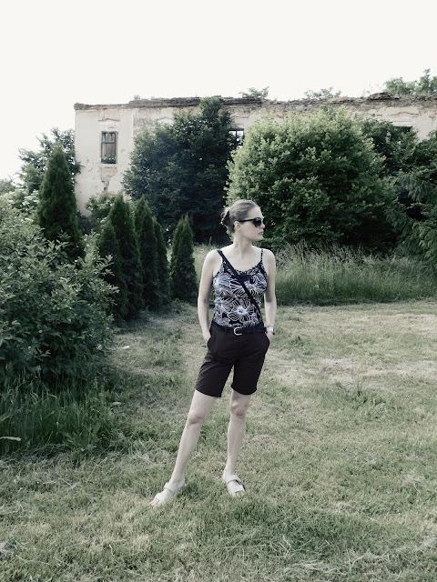 Linda u zříceniny zámku v Líšťanech