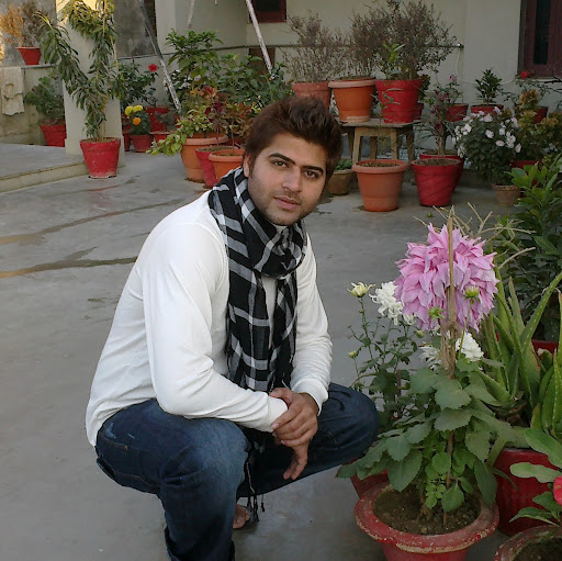 Vishal Hotwani Photo 5