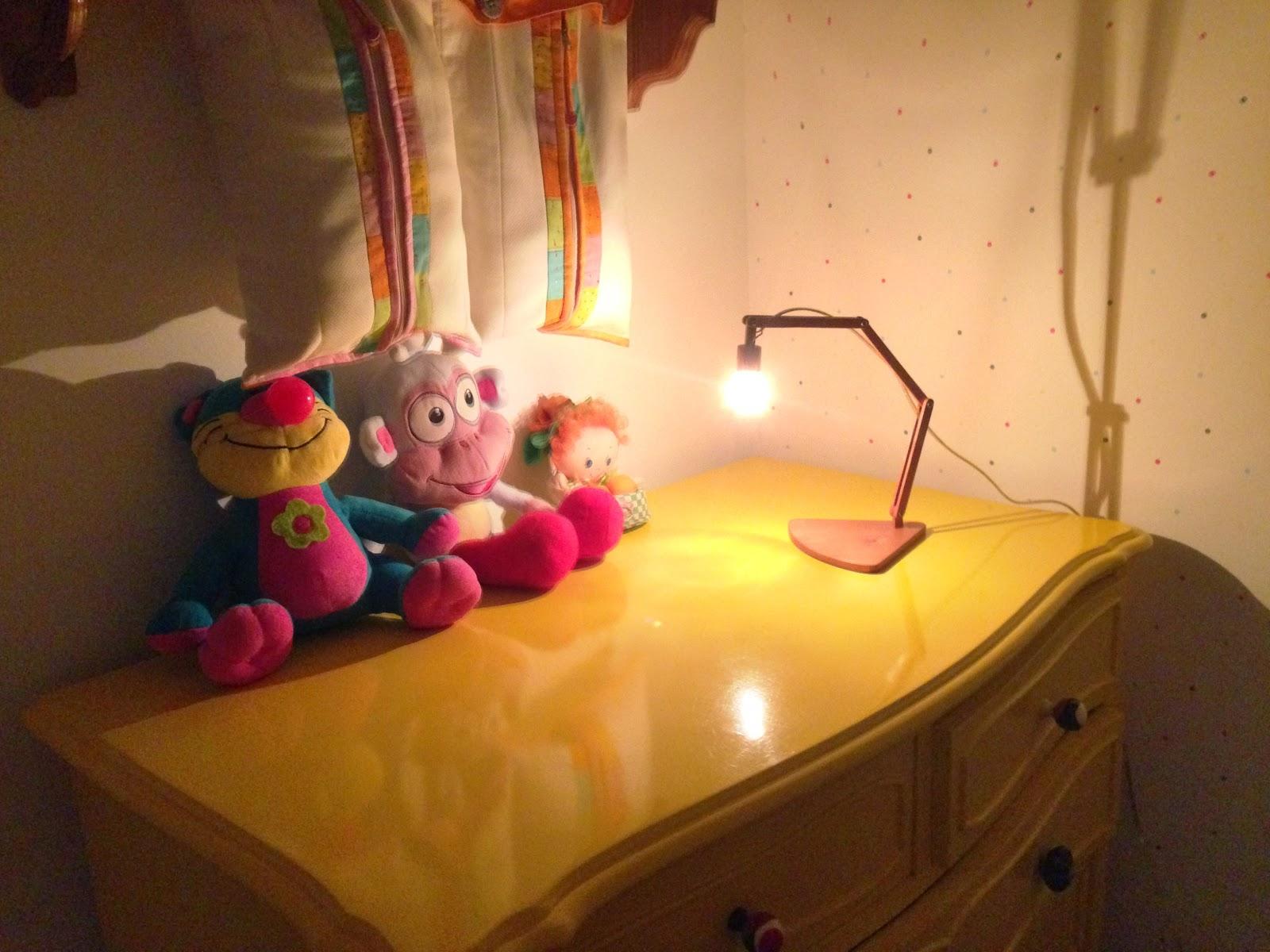 Luminária em cedro-rosa