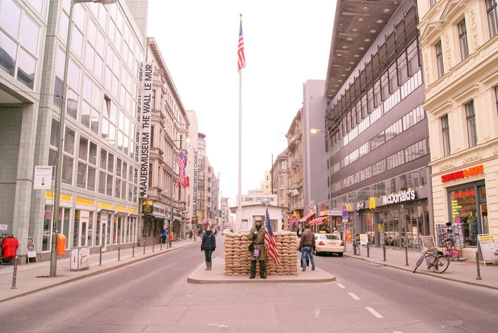 checkpoint-charlie-5