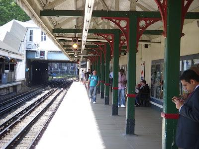 ロンドンの地下鉄駅