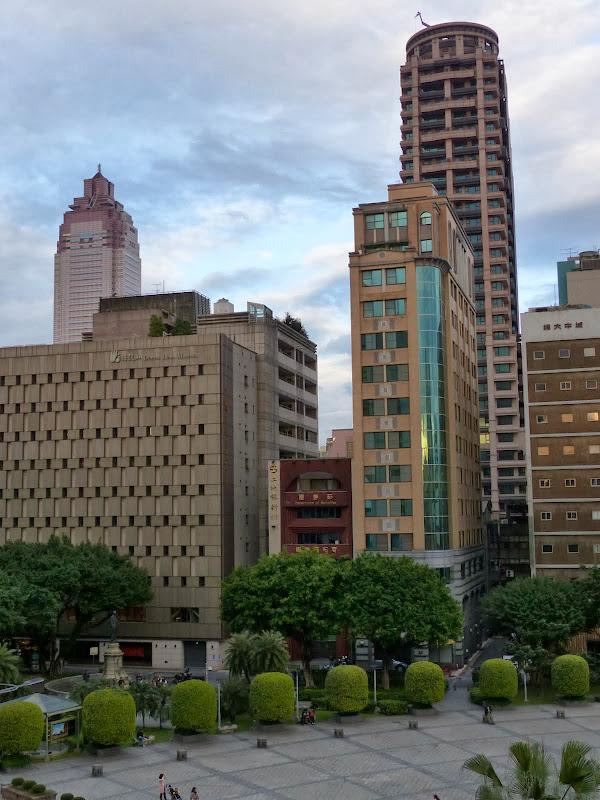 Taipei Zhong Shan Hall et Ximending - P1020737.JPG