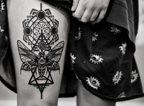este_brilhante_mariposa_tatuagem