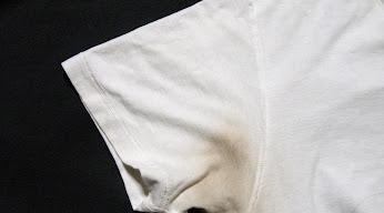 Ag+で黒ずんだTシャツ:酢に漬ける前