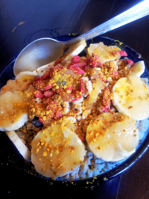Choice Health Food's Green Buzz Bowl: acai, banana, berries, spirulina, caramel, banana, bee pollen, goji berries in Lahaina, Maui
