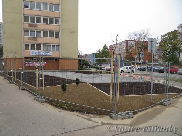 Výstavba súkromného parkoviska na Ludmanskej