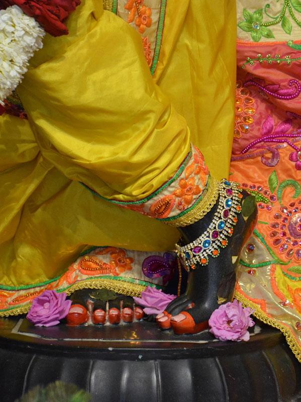 ISKCON Ahmedabad Deity Darshan 02 Mar 2016 (10)
