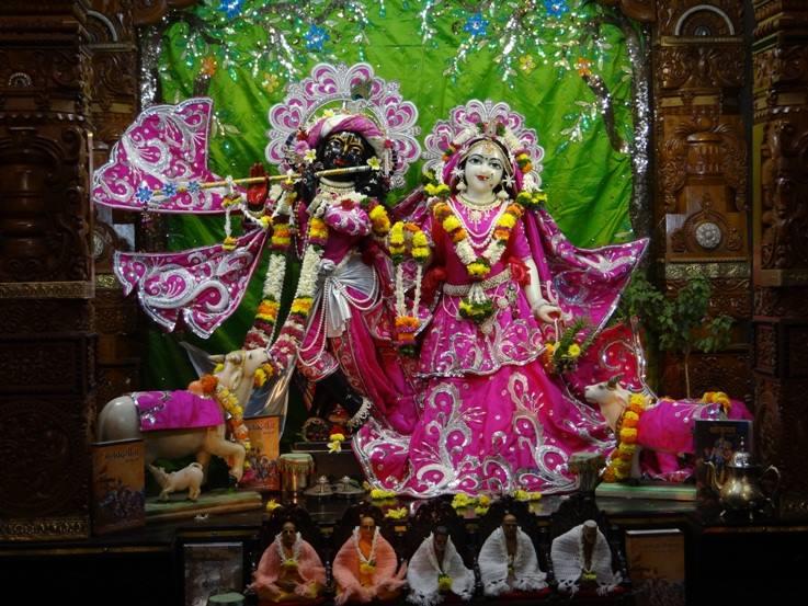 ISKCON Nigdi Deity Darshan 19 Dec 2015 (6)
