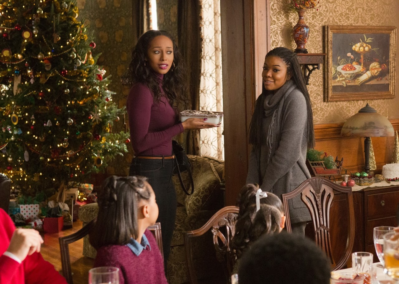 (L to R) Keri Hilson and Gabrielle Union in ALMOST CHRISTMAS. (Photo by Quantrell D. Colbert / courtesy of Universal Pictures).