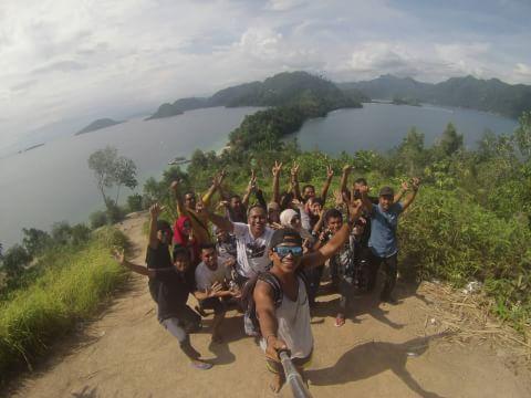Pulau pamutusan - Terletak di sumatera barat, pulau yang satu ini terkenal dengan raja ampatnya sumatera bara
