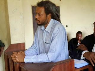 L'ex-chef milicien Yves Kawa dans le box des accusés devant la cour militaire de la Province Orientale, qui l'a condamné à 9 ans de prison mercredi 13 août à Kisangani. Ph Radio OKapi/Godelieve Omomdo