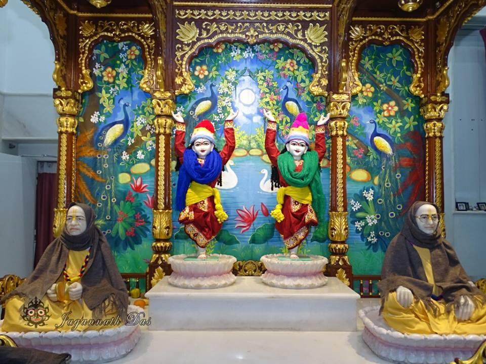ISKCON Mira Road Mangla Deity Darshan 18 Dec 2015 (9)