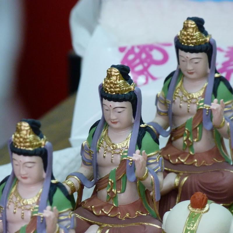 Puli. Divers et Golden Buddha.J 12 - P1170434.JPG