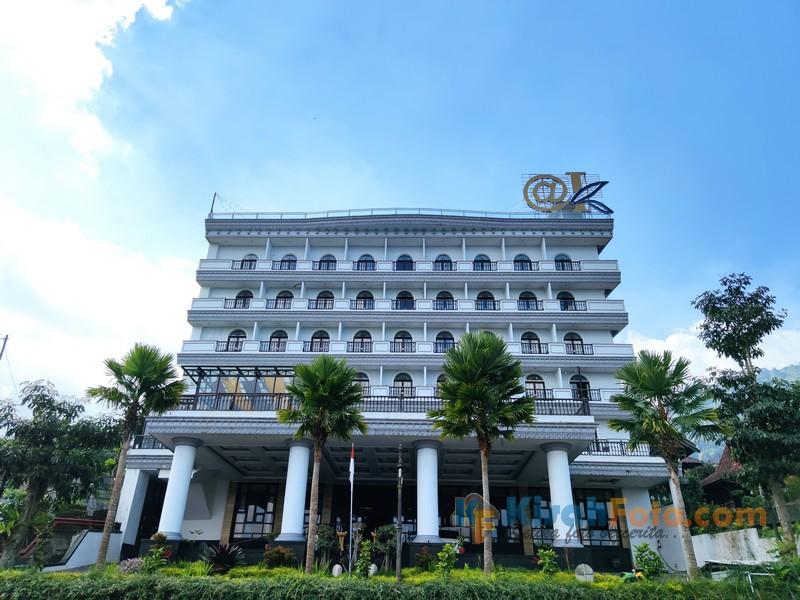 Pengalaman Menginap di @K Hotel Kaliurang Jogja, Rooftop-nya Keren!