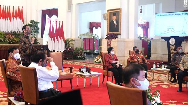 Sebut Pertemuan Koalisi Jokowi Potret Oligarki, Anggota DPD: Istana Bukan Kedai Kopi!
