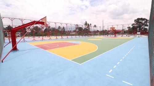 Ada Lapangan Olahraga Terbuka di Padang Kadudak, Rumput Futsalnya Berstandar FIFA Lho!
