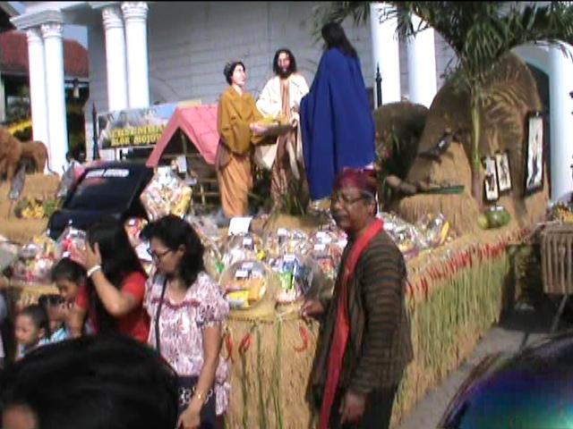 Unduh-unduh, Tradisi Persembahan Hasil Bumi Umat Kristiani di Mojowarno