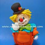cupcake_palhacoempe_escultura_com_modelgem.jpg