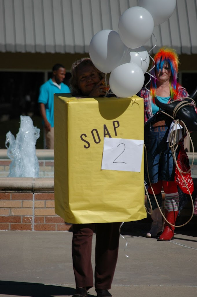 Halloween Costume Contest 2010 - DSC_0262.JPG