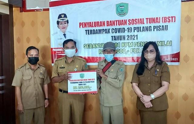 Dinsos Pulpis Salurkan BST Kabupaten Rp200 Ribu kepada Ribuan KPM Terdampak Covid-19