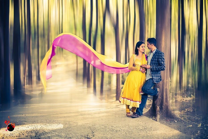 Love poses for pre-wedding photoshoot