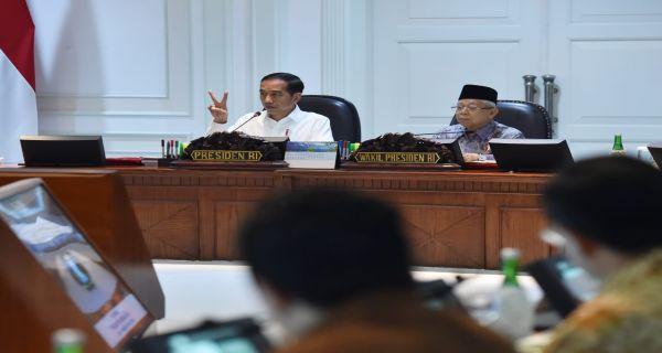 Pak Jokowi dan Kiai Ma'ruf Seharusnya Mengingatkan Anak Masing-Masing