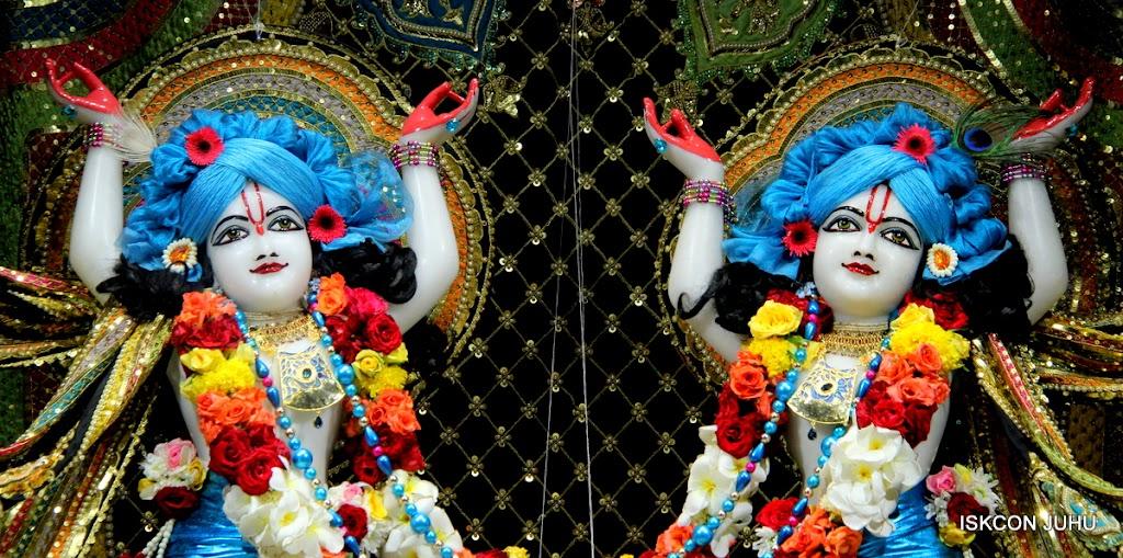 ISKCON Juhu Sringar Deity Darshan 09 Apr 16 (39)