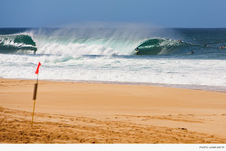 Photo: Photo of the Day: Julian Wilson, Pipeline. Photo: Lowe-White #Surfer #SurferPhotos