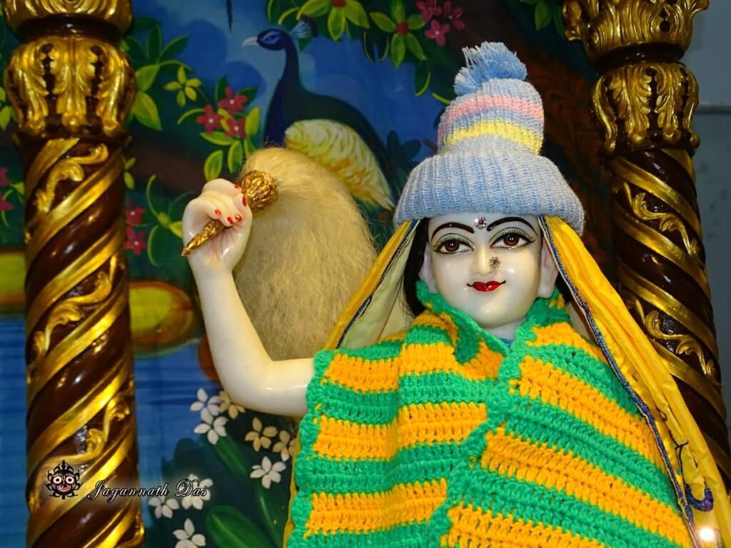 ISKCON Mira Road Mangal Deity Darshan 02 Feb 2016 (4)