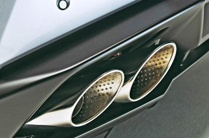 2015-Lamborghini-Huracan-17