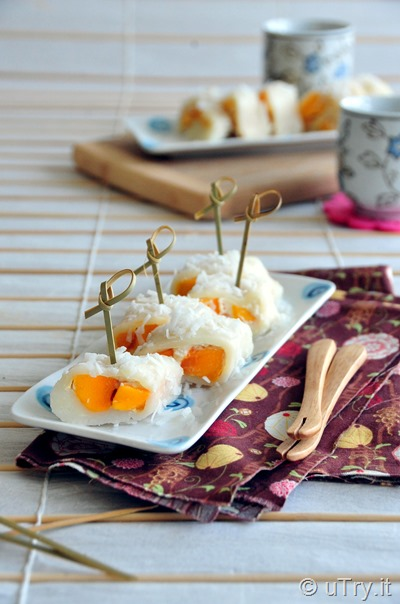 Check out how to make these Coconut Mango Mochi Rolls (椰汁香芒果糯米卷) with a step-by-step video tutorial.  http://uTry.itCheck out how to make these Coconut Mango Mochi Rolls (椰汁香芒果糯米卷) with a step-by-step video tutorial.  http://uTry.it
