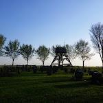 015-Lang geleden was Idzega een zelfstandige parochie met kerk. Nu rest nog alleen het kerkhofje.