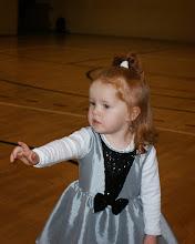 Photo: Najmłodsza uczestniczka zabawy - śpiewająca i tańcząca Zuzia Majer