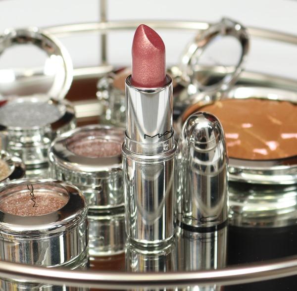 LipstickShinyPrettyThingsMAC