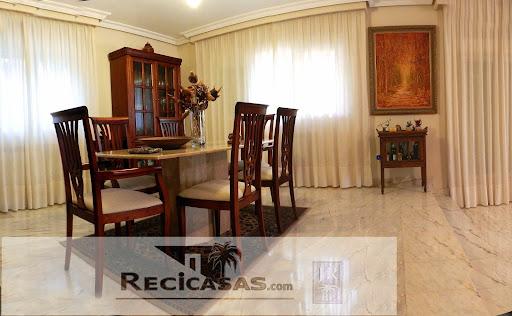 Casa en venta con 420 m2, 5 dormitorios  en Sotillo de la Adrada, CASC