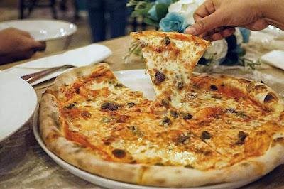 Pizza halal di jogja