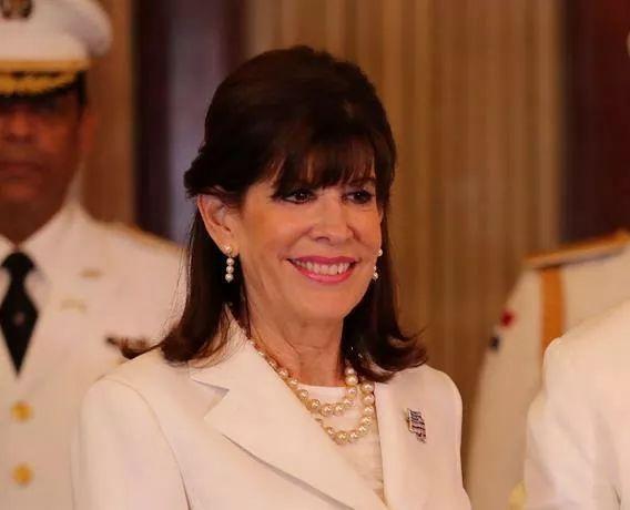 Embajadora EEUU afirma seguirá colaborando con RD para eliminar narcotráfico