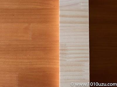 蜜蝋塗装後を無塗装の端材を比較